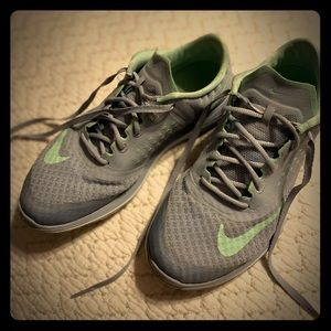 Nike women's running shoes size 8